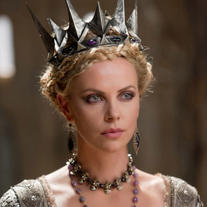 Frontdoor - Charlize Theron, Snow White and the Huntsman