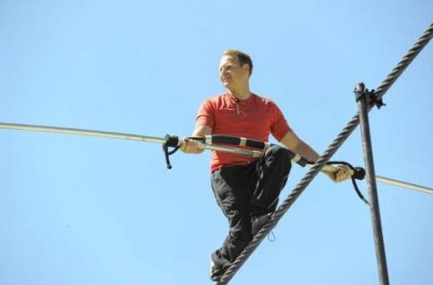 niagara falls tightrope Chelsea X2