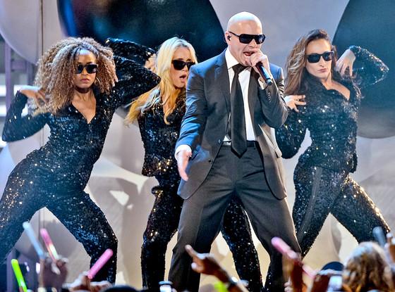 Pitbull, Univision - Premios Juventud