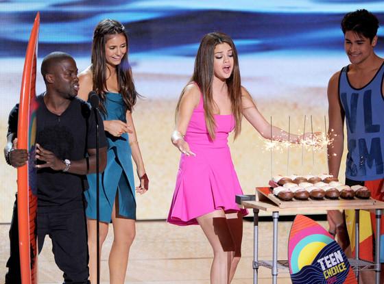 TEEN CHOICE 2012 Show, Selena Gomez, Kevin Hart, Nina Dobrev