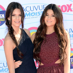 TEEN CHOICE 2012, Kylie Jenner, Kendall Jenner