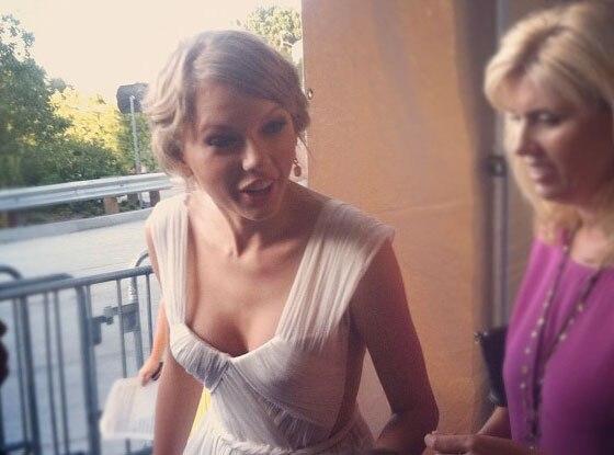 Taylor Swift, Instagram, Twitpics