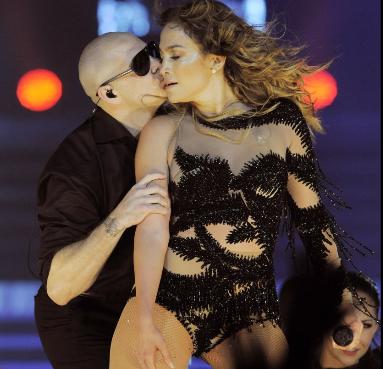 Jennifer López, Pitbull