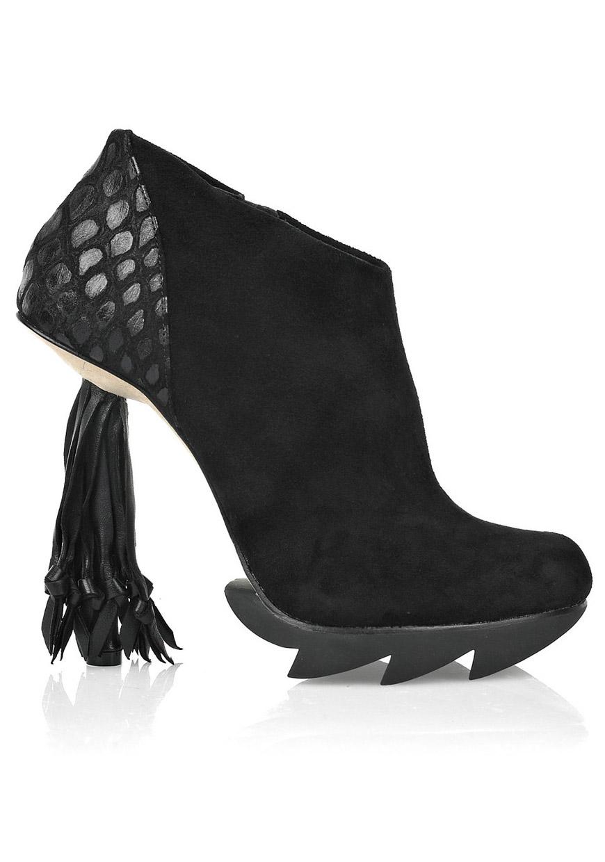 Crazy Kicks - Camilla Skovgaard Tassel
