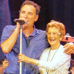 Bruce Springsteen, Mom