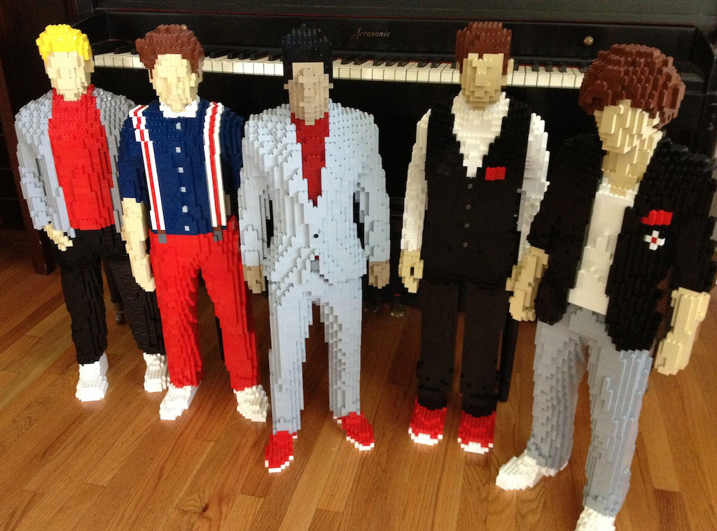 One Direction, Lego Sculpture