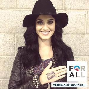 Katy Perry, Obama, Twit Pic