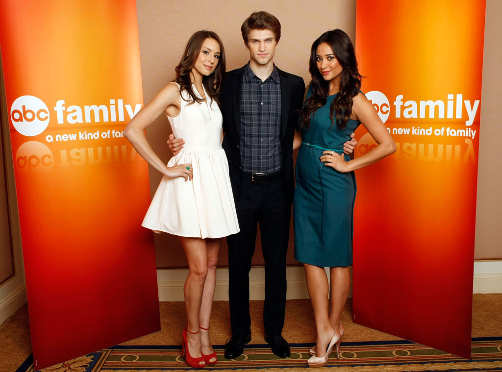 Pretty Little Liars, Troian Bellisario, Keegan Allen, Shay Mitchell