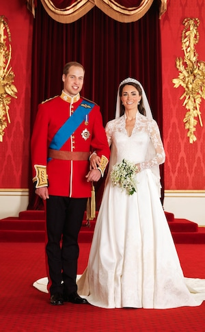 Official Wedding Portrait, Prince William, Duke of Cambridge, Catherine, Duchess of Cambridge, Kate Middleton