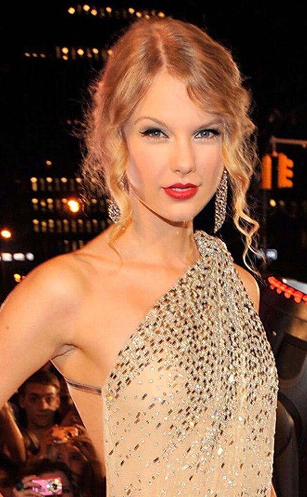 Taylor Swift, Headshot