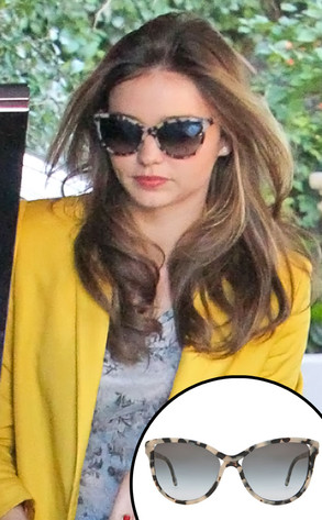 ea2c7b62409b4 Gimme Those! Miranda Kerr s Tortoise Shell Sunglasses