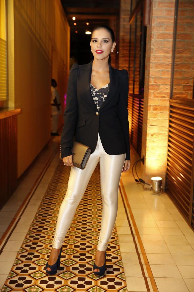 Mariana Rios mal vestida da semana