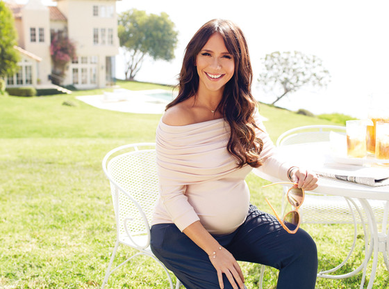 Jennifer Love Hewitt, A Pea in the Pod