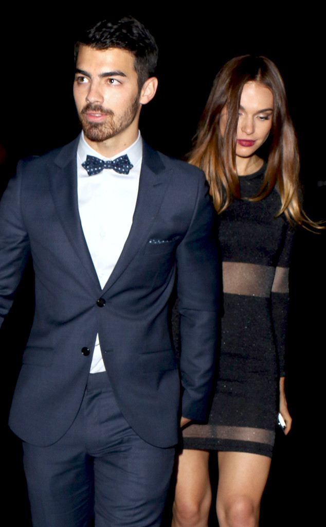 Joe Jonas and Girlfrie...