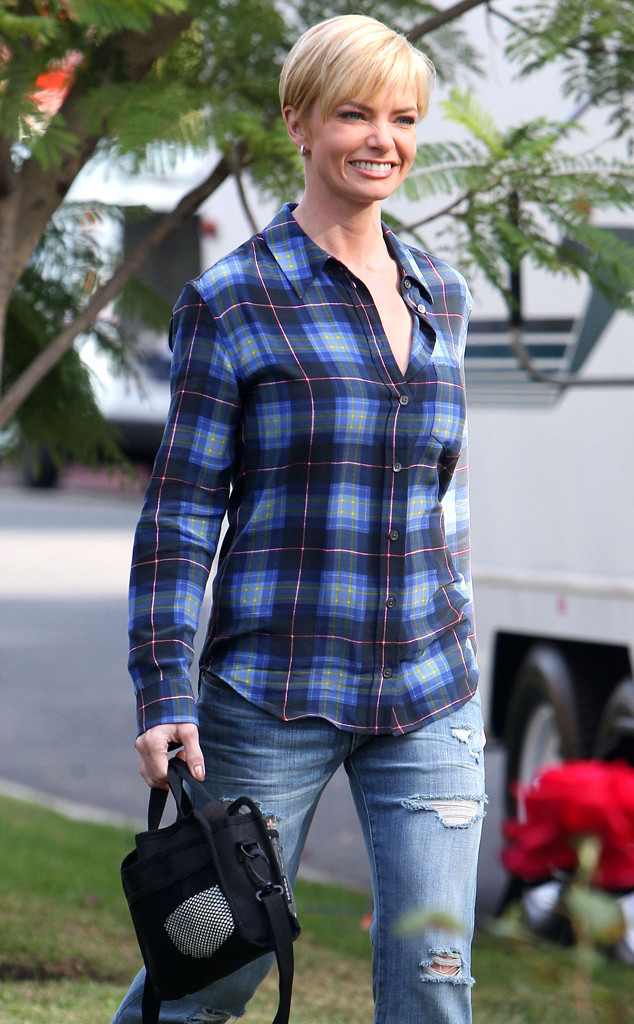Jaime Pressly Opens Up About Almost Full Mastectomy  E News-2105