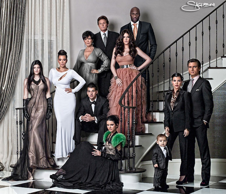 The Kardashian Christmas Card 2021 Photos From Kardashians Christmas Cards Throughout The Years E Online