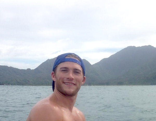 Washboard Abs From Scott Eastwood's Shirtless Pics