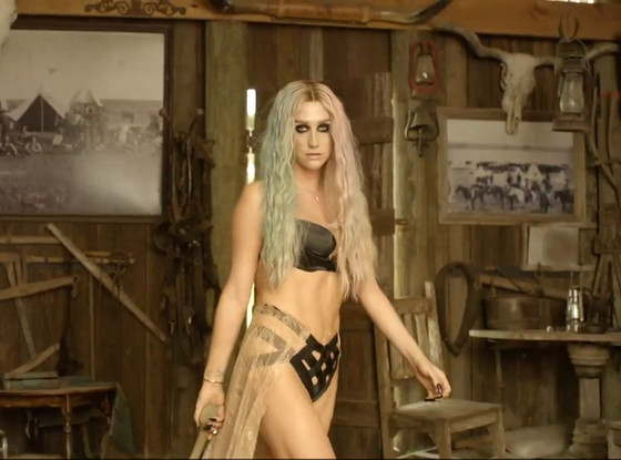 Kesha, Timber, Music Video