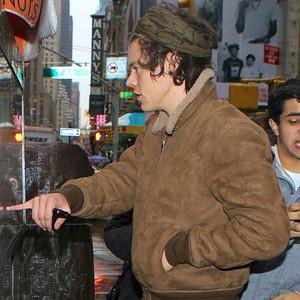 Harry Styles, Nuts