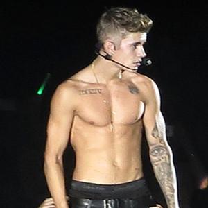 Justin Bieber, Shirtless, Brisbane Concert