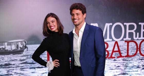Cauã Reymond, Isis Valverde, Amores Roubados