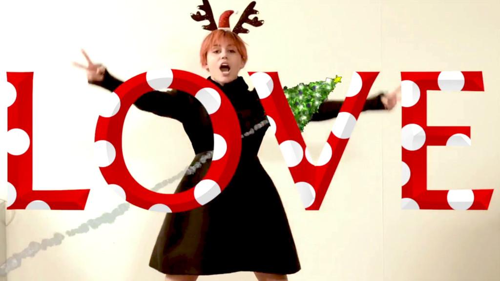 Miley Cyrus, Love Magazine
