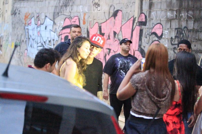 Justin Bieber no Brasil grafita em Sao Conrado