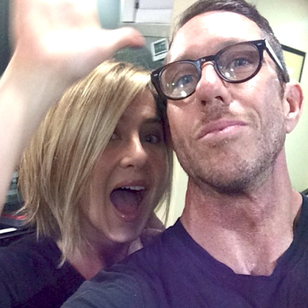 Jennifer Anistons Hairstylist Chris Mcmillan Shares A Photo Of The
