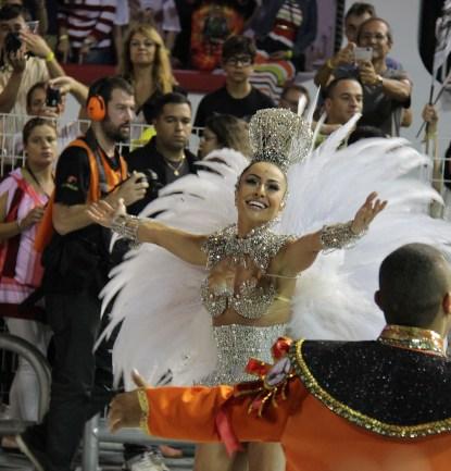 Carnaval Sao Paulo, famosos Carnaval Sao Paulo, Thiago Leifert, Restart, Tammy Dicalifiori, Ronny Kriwat, Emiliana Davila, Sabrina Sato
