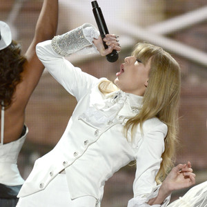 Taylor Swift, Grammys, Performance