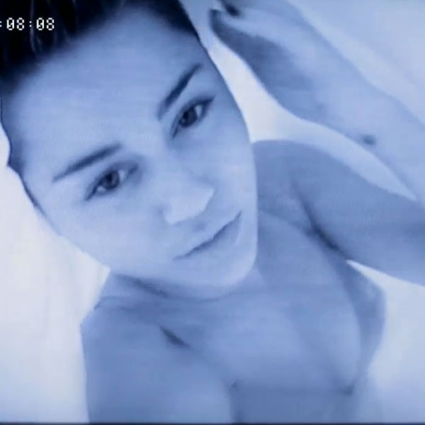 Miley Cyrus, Adore You Video, Nipple