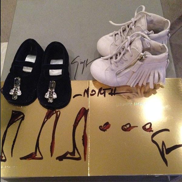 Kim Kardashian, Kanye West, North West, Christmas Presents, Instagram