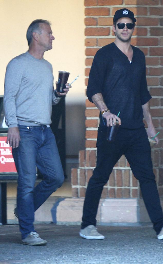 Liam Hemsworth, Father