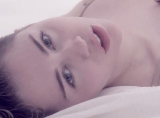 Miley Cyrus, Adore You