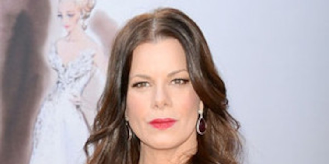 "Marcia Gay Harden Apologizes to Judi Dench for ""Misinterpreted"" Oscars Remark - E! Online.jpg"