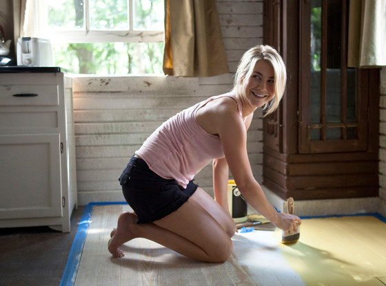 Safe Haven, Julianne Hough