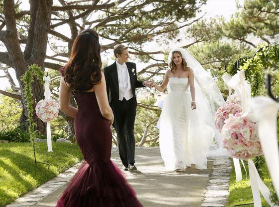 Emily Vancamp, Gabriel Mann, Nolan, Revenge, Wedding