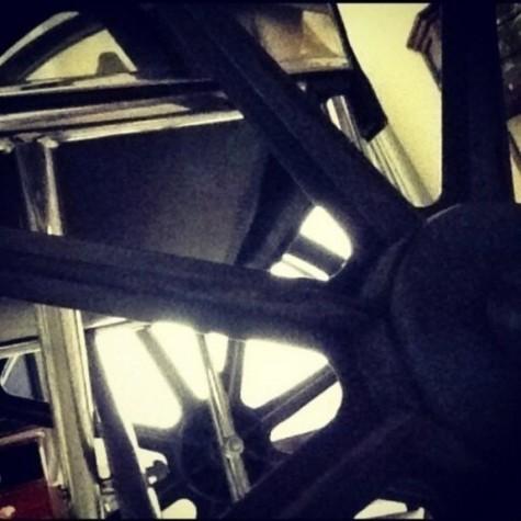 Lady Gaga, cadeira de rodas
