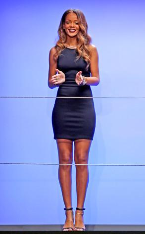 Rihanna Street Style - Wearing a short Jumpsuit in New ... |Rihanna 2013