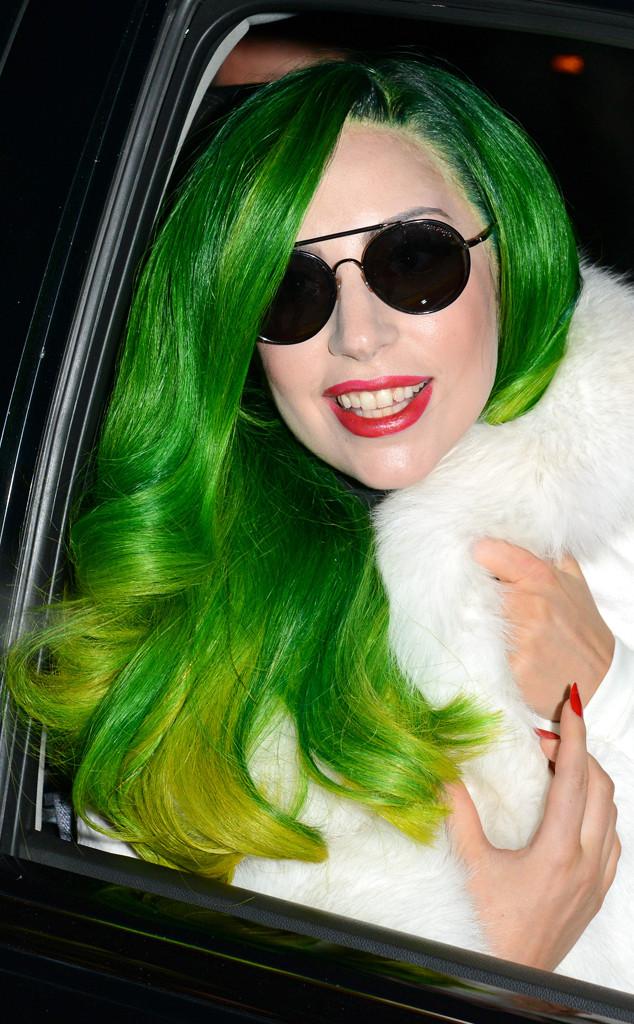 Lady Gaga se tranca em armário para meditar