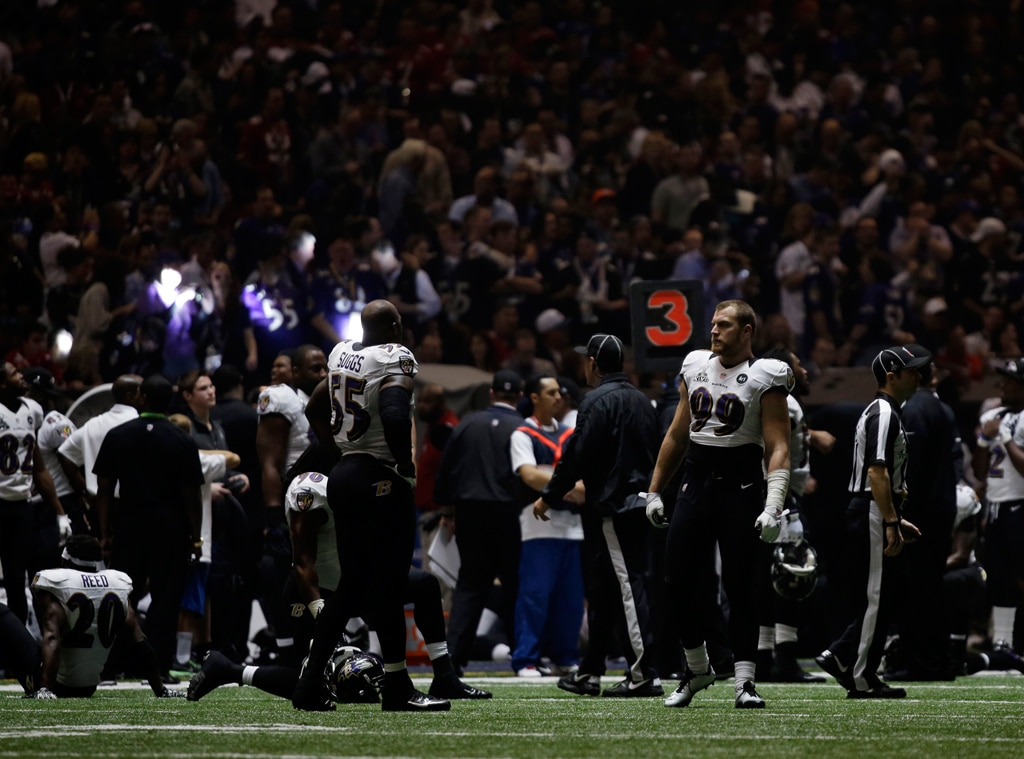 Baltimore Ravens players, Power Outage, Superbowl