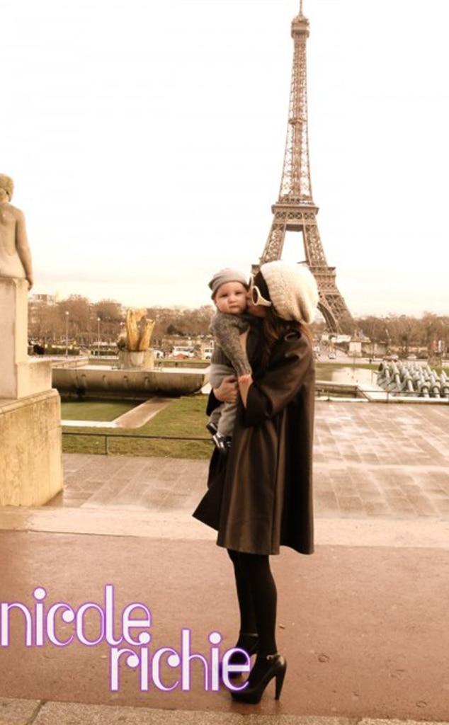 Nicole Richie, Sparrow, Eiffel Tower