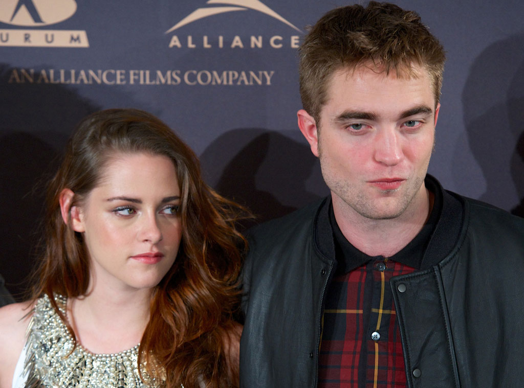 5 Clues That Kristen Stewart and Robert Pattinson Are ...