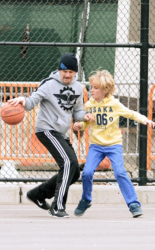 Ethan Hawke , Roan, Basketball