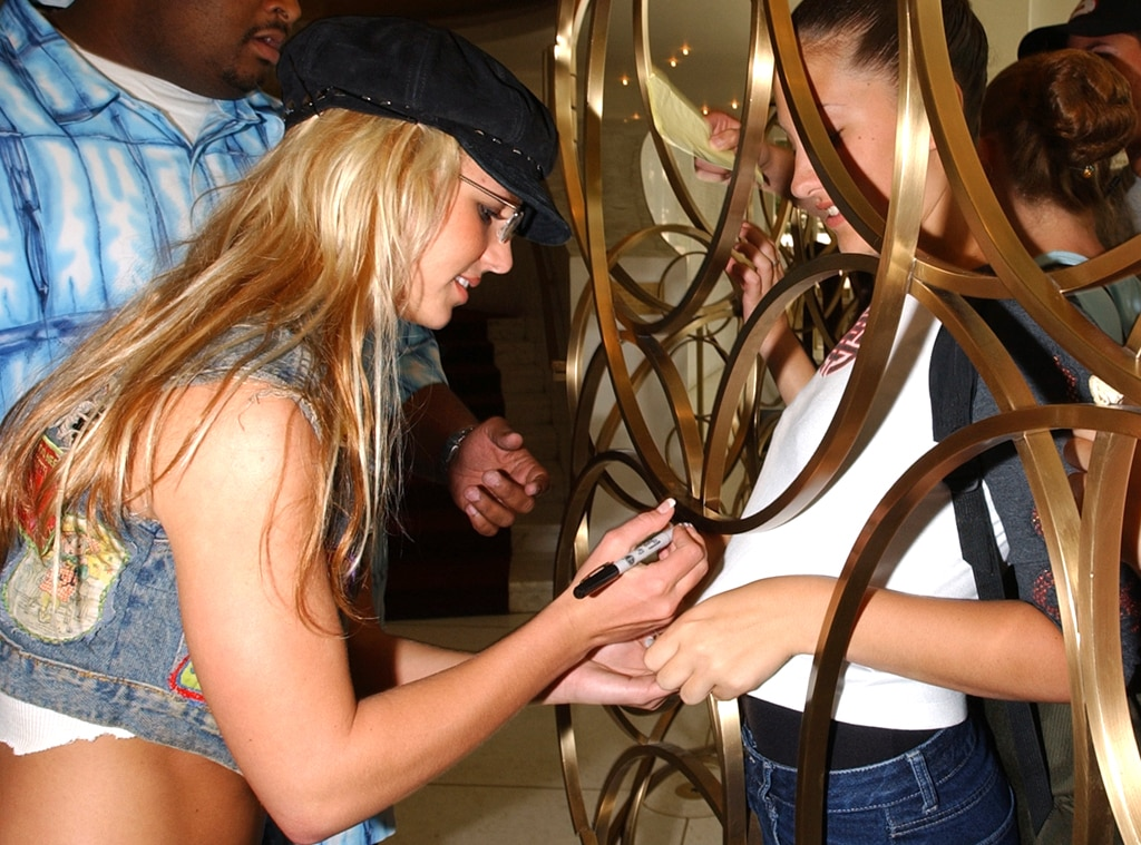 Britney Spears, Autograph