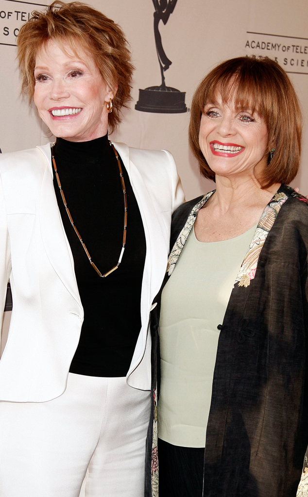 Mary Tyler Moore, Valerie Harper, Famous Friends