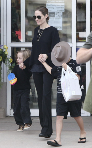 Angelina Jolie, Knox, Maddox