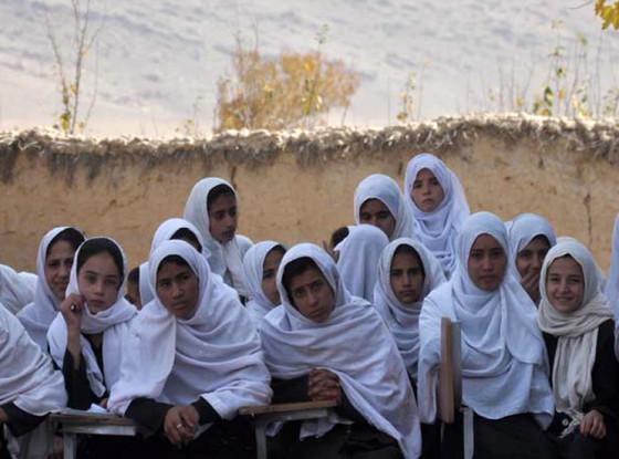 Angelina Jolie, Qalai Gudar Girl's School