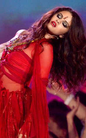 Selena Gomez, MTV Movie Awards, Bindi