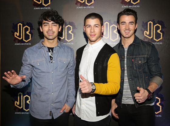 Joe Jonas, Nick Jonas, Kevin Jonas, Jonas Brothers, 2013